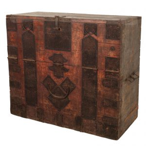 Blanket chest, trunk, Korea, antique, oriental furniture, iron lace hardware, lacquered wood